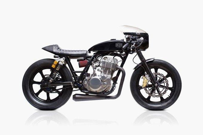 Мастерская Deus Ex Machina выпустила кастом Yamaha SR400. Изображение № 1.