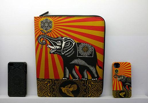 Совместная коллекция сумок марки Incase и художника Шепарда Фейри. Изображение № 6.