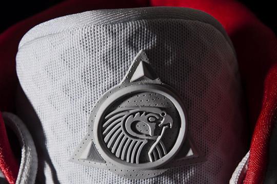 Очередь за кроссовками Канье Уэста и Nike выстроилась за 5 недель до начала продаж. Изображение № 5.