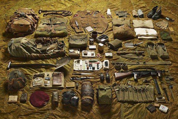Британец сфотографировал всё военное снаряжение начиная с XI века. Изображение № 10.