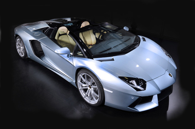 Lamborghini представили новый суперкар Aventador LP700-4 Roadster . Изображение № 4.