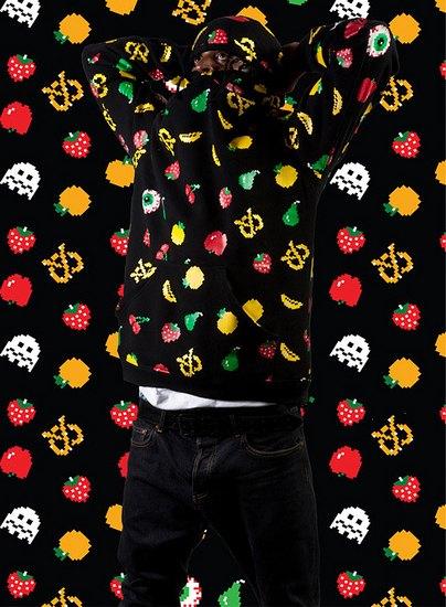 Марка Mishka опубликовала лукбук осенней коллекции одежды. Изображение № 3.