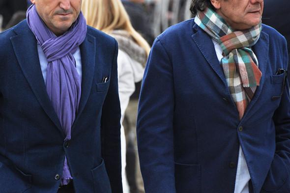 Изображение 48. Шарфы, клатчи, клетчатые пиджаки и подвернутые джинсы.. Изображение № 36.