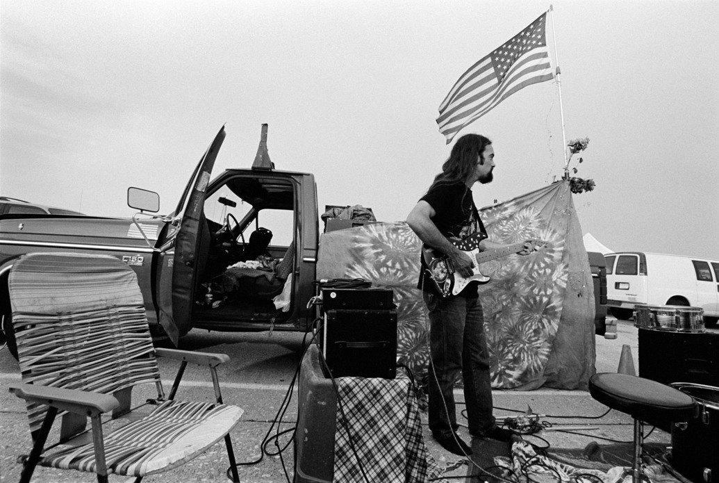 Музыка нас связала: Фотограф Эрин Фейнберг десять лет снимает фанатов на концертах. Изображение № 10.