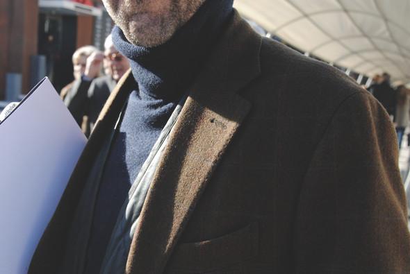 Детали: Репортаж с выставки мужской одежды Pitti Uomo. День первый. Изображение № 41.