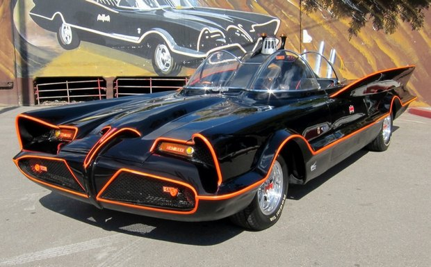 Самый первый Бэтмобиль ушел с аукциона за 4,6 миллиона долларов. Изображение № 9.