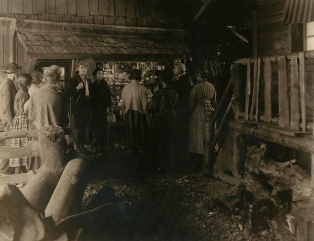 Фотографии потерянного фильма Хичкока продадут на аукционе. Изображение № 2.