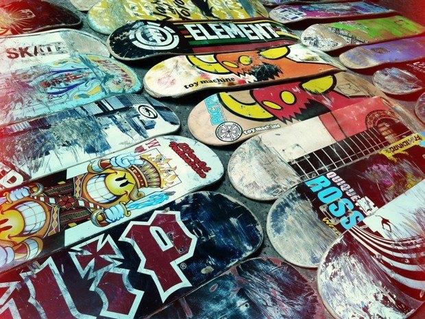 Аргентинская мастерская создает электрогитары из старых скейтбордов. Изображение № 16.