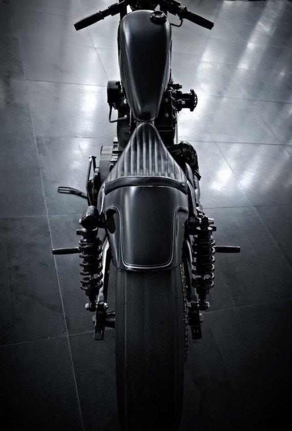 Мастерская  Rough Crafts представила кастомный мотоцикл на базе Harley-Davidson. Изображение № 4.
