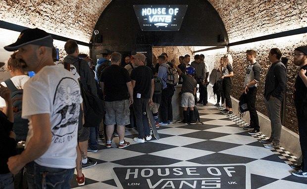 В Лондоне открылся большой скейт-парк The House of Vans. Изображение № 1.