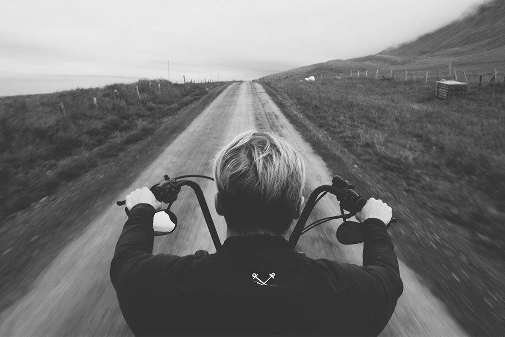 Как мы проехали всю Европу на мотоциклах, чтобы посёрфить у берегов Исландии. Изображение № 8.