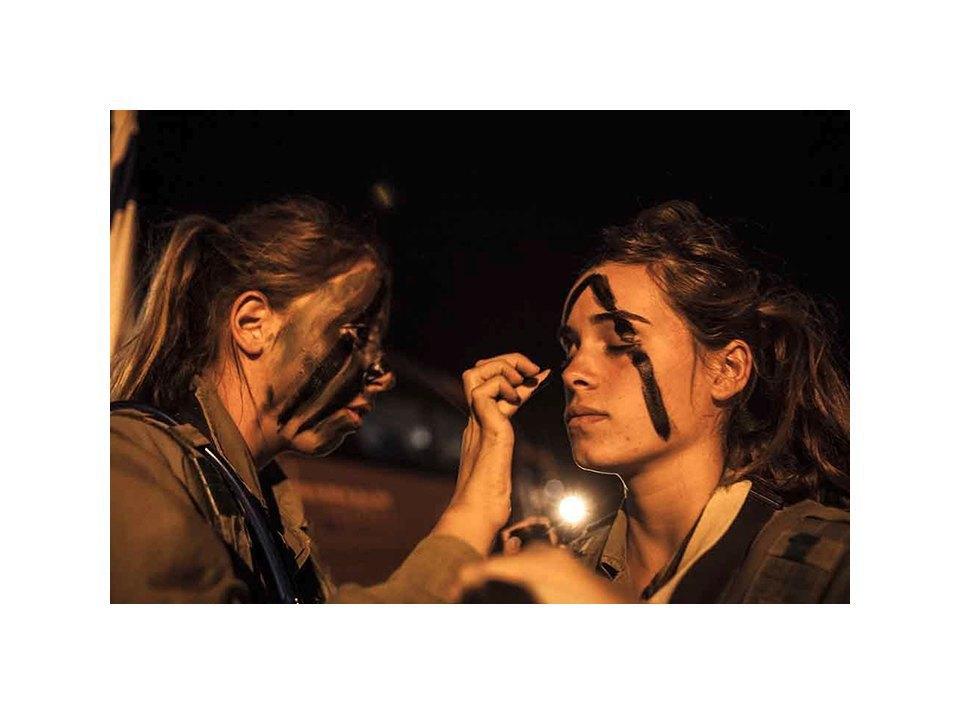 Фотопроект: Как служат женщины в армии Израиля. Изображение № 12.