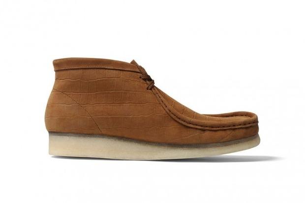 Марки Supreme и Clarks выпустили совместную модель ботинок Wallabee. Изображение № 3.