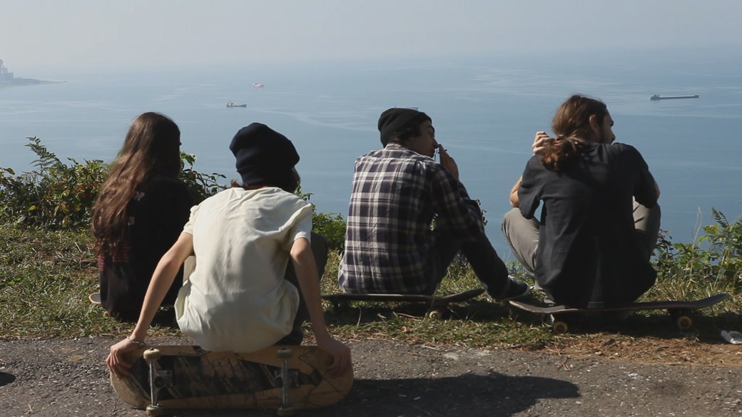 «Когда земля кажется лёгкой»: Грузинские скейтеры в фотографиях Давида Месхи. Изображение № 18.
