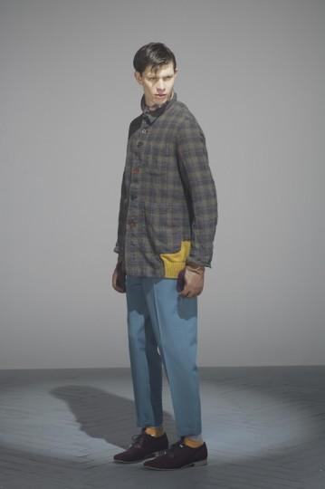 Японская марка Undercover выпустила лукбук осенней коллекции одежды. Изображение № 7.