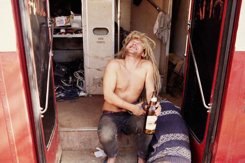 Бесконечное лето: Кочевая жизнь рейверов 1990-х. Изображение № 3.