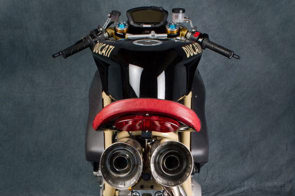 Мотоцикл Ducati 1098R мастерской Mr Martini. Изображение № 4.