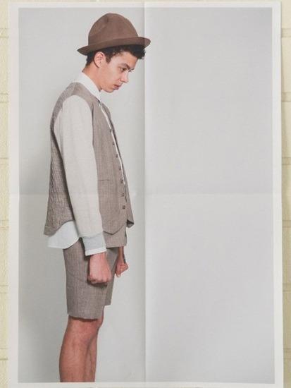 Японская марка Discovered выпустила лукбук весенней коллекции одежды. Изображение № 17.