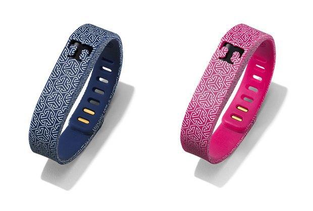 Дизайнер превратил Fitbit Flex в изысканные украшения. Изображение № 3.