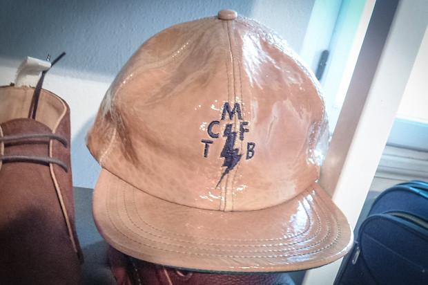 Жуткая кепка со стенда Марка МакНейри. Изображение № 70.