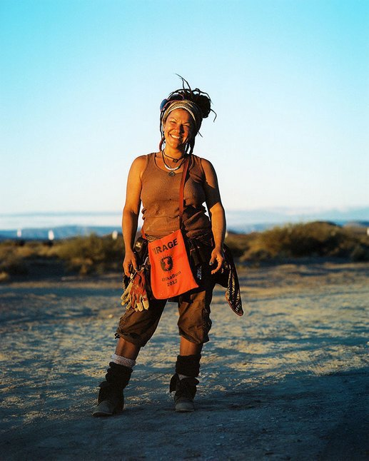 Как развлекаются посетители фестиваля Burning Man в африканской пустыне. Изображение № 4.
