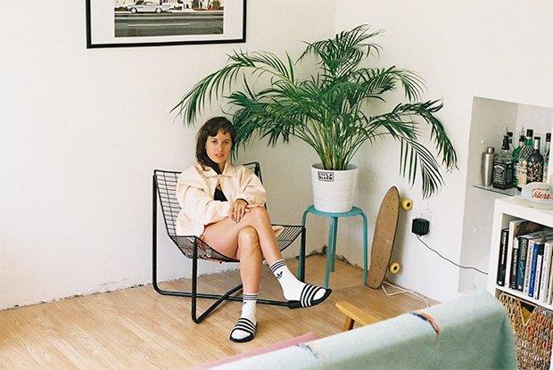 Adidas Originals призвал носить сандалии с носками. Изображение № 4.