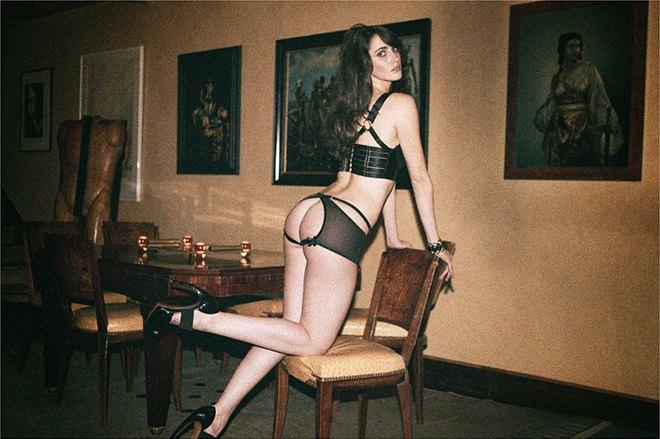 Чилийская модель Хамира Зулогада снялась в рекламе нижнего белья Mise en Cage. Изображение № 1.