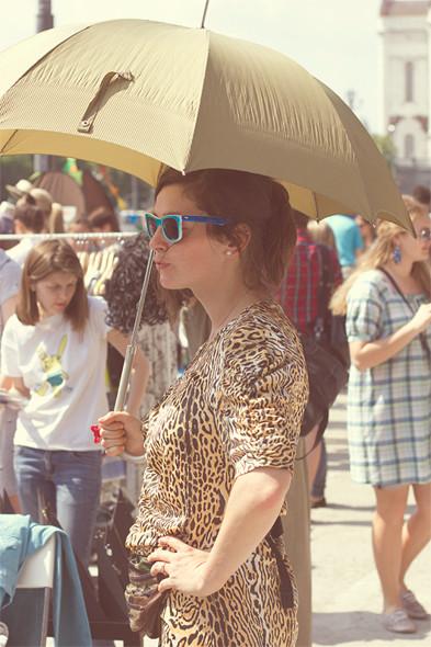 Изображение 11. Фоторепортаж: Красивые девушки на воскресной ярмарке.. Изображение № 12.