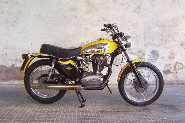 История и стилевые особенности эндуро и скрэмблеров — мотоциклов для езды по бездорожью. Изображение №5.