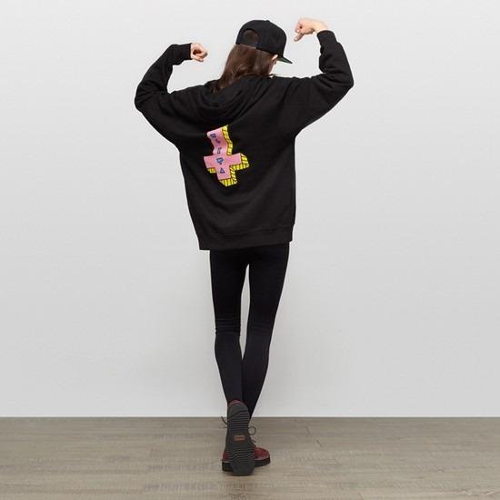 Магазин Kixbox опубликовал лукбук осенне-зимней коллекции одежды. Изображение № 10.