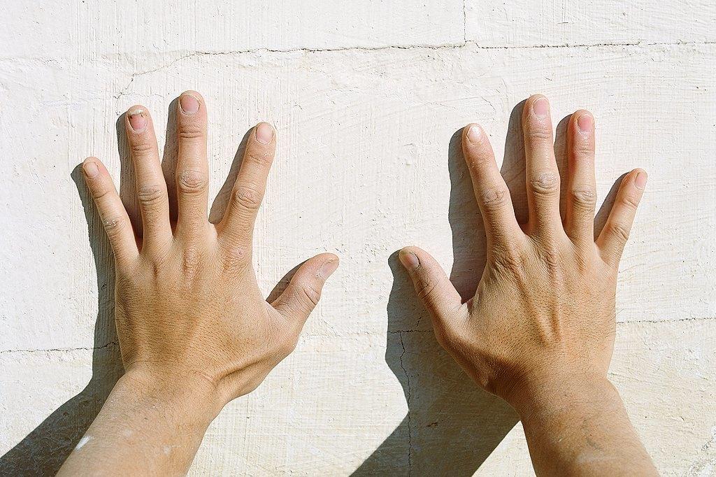 Нейл-арт недели: Руки московских рабочих. Изображение № 7.