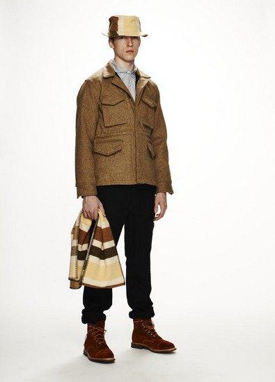 Марка Woolrich Woolen Mills опубликовала лукбук осенней коллекции одежды. Изображение № 14.