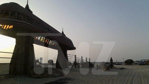 В сеть попали первые снимки со съемочной площадки новых «Звездных войн». Изображение № 17.