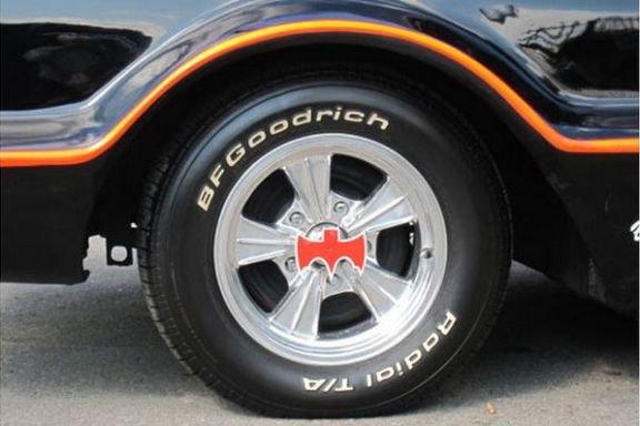 Самый первый Бэтмобиль ушел с аукциона за 4,6 миллиона долларов. Изображение № 6.