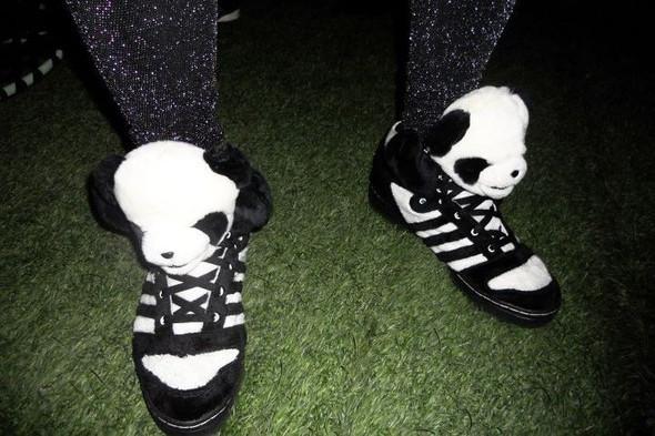 10 самых спорных моделей кроссовок 2011 года. Изображение № 8.