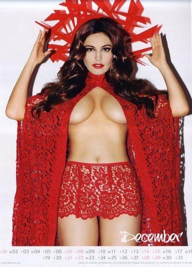 Актриса и модель Келли Брук выпустила собственный эротический календарь. Изображение № 13.