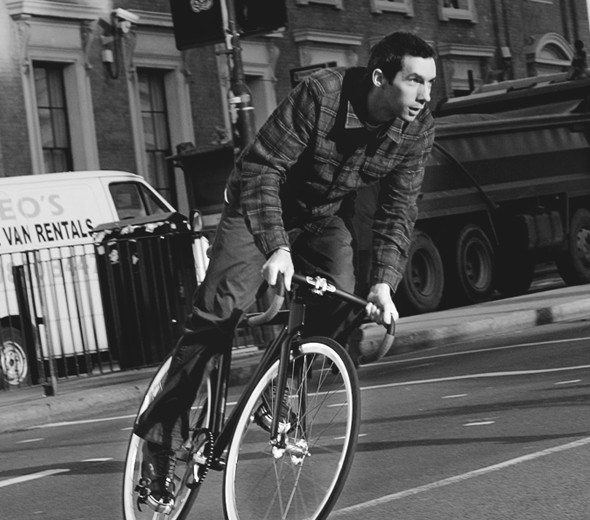«Главное — думать за себя и людей вокруг»: Интервью с Энди Эллисом, создателем Fixed Gear London. Изображение № 2.