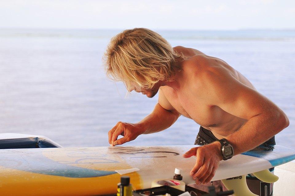 Russia Goes Surfing: Репортаж из серферского лагеря на Мальдивах. Изображение № 14.