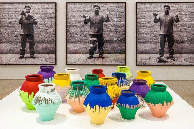 Ай Вэйвэй раскритиковал перформанс художника, разбившего его вазу стоимостью $1 млн. Изображение № 1.