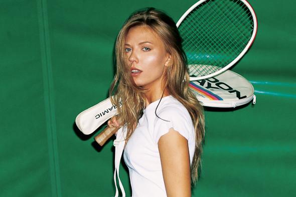 Классические формы: Теннисистка. Изображение № 4.