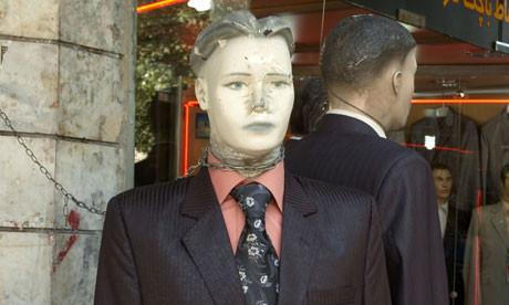 Манекен в галстуке на улицах Тегерана. Фото — Guardian.. Изображение № 1.