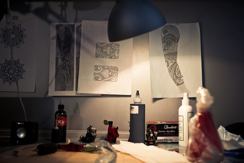 Бьет — значит любит: Старейшие татуировщики Москвы и их лучшие работы. Изображение № 16.