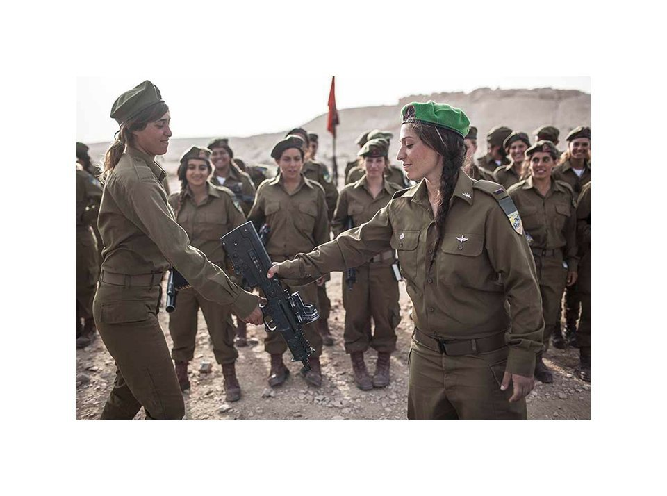 Фотопроект: Как служат женщины в армии Израиля. Изображение № 10.