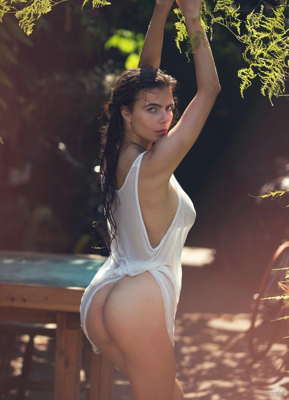 Дэвид Бельмере сфотографировал русскую модель Алину Алилуйкину для нового номера журнала Treats!. Изображение № 5.