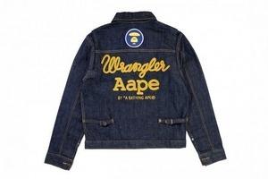 A Bathing Ape представила совместную коллекцию своей линейки Aape и марки Champion. Изображение №21.