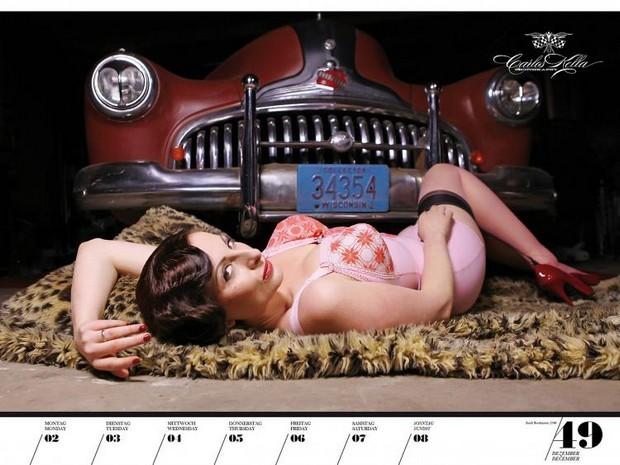 10 эротических календарей на 2013 год. Изображение № 92.