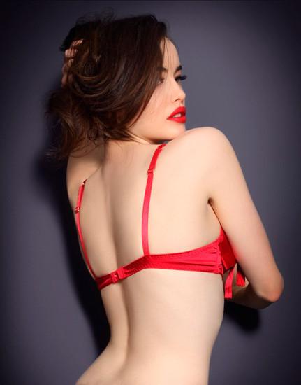 Австралийская модель Сара Стивенс снялась в рекламе Agent Provocateur . Изображение № 1.