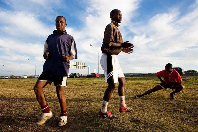Как выглядит дворовый футбол на окраинах Кейптауна. Изображение № 9.