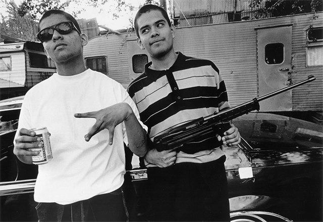 8 фотографов, исследовавших мир уличных банд. Изображение № 12.