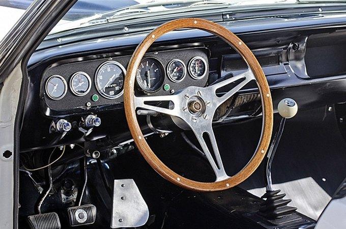 Маслкар Shelby GT350 автогонщика Стирлинга Мосса выставлен на аукцион. Изображение № 5.